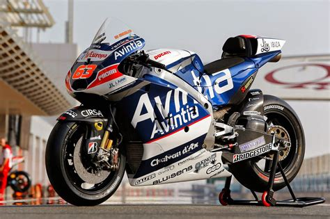 racing cafe ducati desmosedici gp team avintia racing