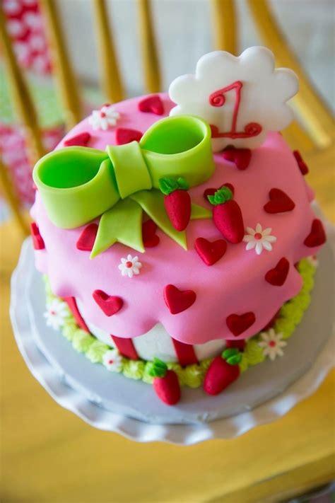 kara 39 s party ideas strawberry 1st birthday party kara 39 s strawberry shortcake themed 1st birthday party with lots