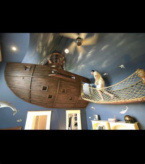 chambre bateau pirate il transforme sa chambre en vaisseau pirate