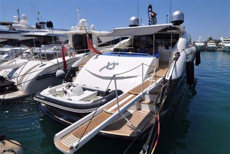 yacht kaufen gebraucht gebrauchte ferretti 94 custom line motoryacht kaufen gebraucht motoryachten verkaufen