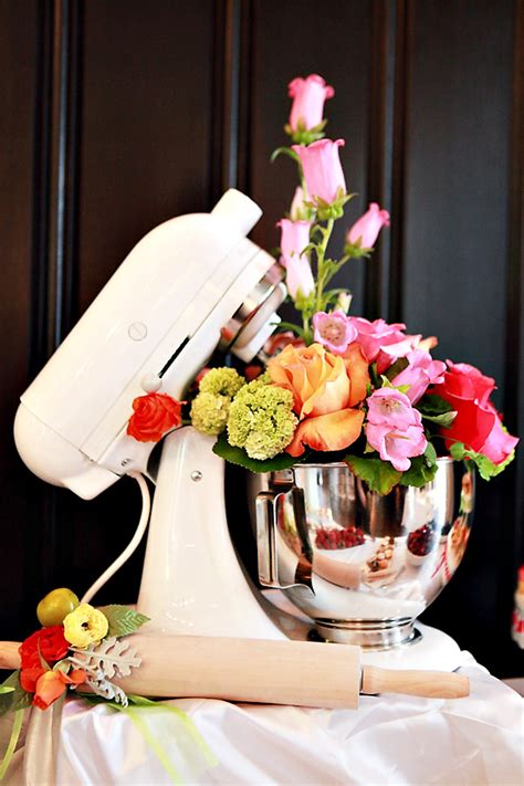 9 Fun Ideas For A Kitchen Themed Bridal Shower