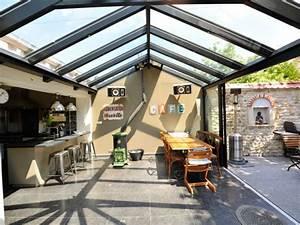 veranda de style accolee a un corps de ferme rustique With awesome amenagement de terrasse exterieur 13 deco salon cheminee