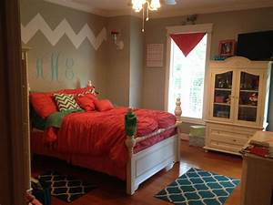 Love my daughters new bedroom! Chevron coral teal girls ...
