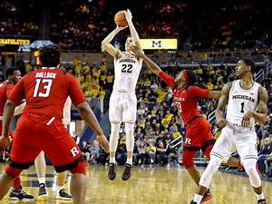 Duncan Robinson goes out shooting, hopes to play ...