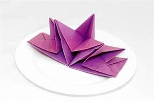 Papierservietten Falten Weihnachten : papierservietten falten anleitung bastelideen deko feiern diy zenideen ~ Watch28wear.com Haus und Dekorationen