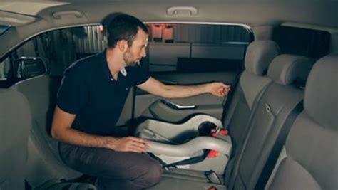 comment mettre un siege auto comment mettre siege bebe voiture