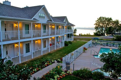 door county wi resorts looking for a waterfront resort in door county try bay