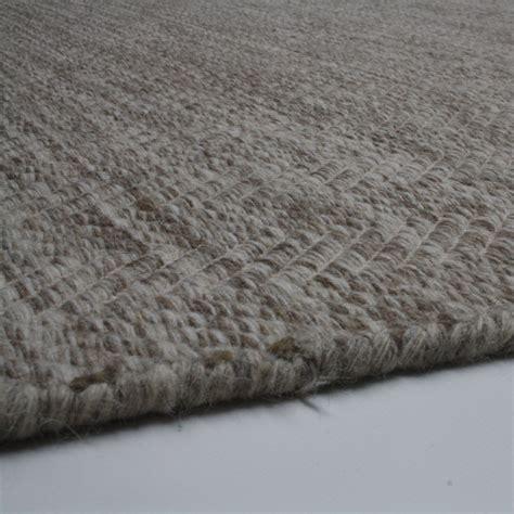vloerkleed visgraat bruin vloerkleed handgeweven wol beige kameraankleden nl