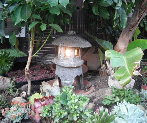how to build japanese garden make a japanese garden lantern out of hypertufa