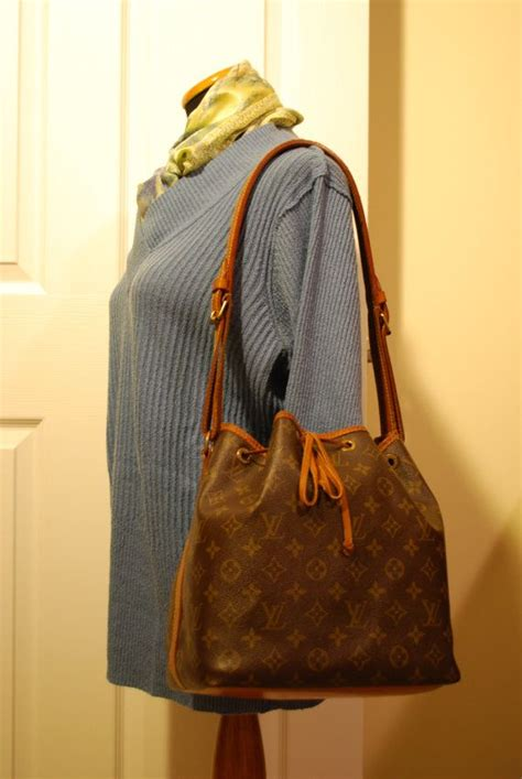 louis vuitton noe pm shoulder bucket champagne bottle bag bags fashion bags louis vuitton