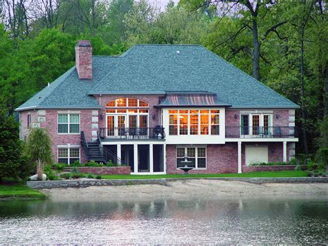 Laird Lake Traditional – Newman Construction