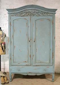 1001 idees pour relooker une armoire ancienne chambre With peindre une armoire ancienne