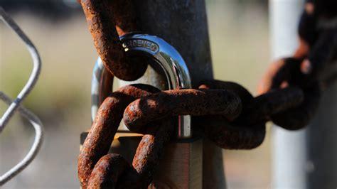 lock rust metal chain hd mesh 1080p background