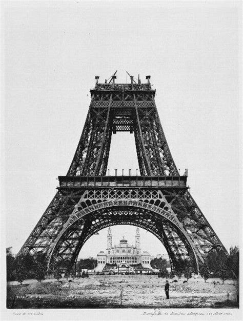 Pin D Iconic Black White 01 construction of the eiffel tower 1889 retronaut