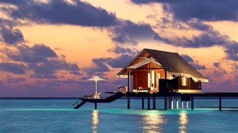 top   fabulous overwater villas   maldives  luxury travel expert