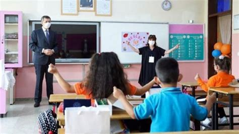 2019 yılında karneler ne zaman alınacak? Karneler ne zaman verilecek? Yarı yıl tatili ne zaman? Milli Eğitim Bakanı Ziya Selçuk açıkladı ...