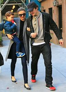 Orlando Bloom, Miranda Kerr kiss, step out together in New ...
