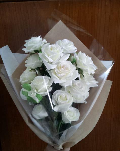 gambar bunga mawar putih gambar kelabu