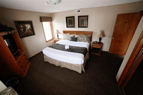 bedroom loft townhouse book  wyndham flagstaff