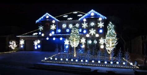 gangnam style christmas light display brightens