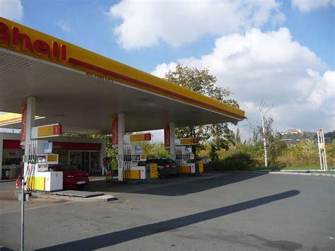 Shell Gas Station, Opuštěná, Brno (2).jpg