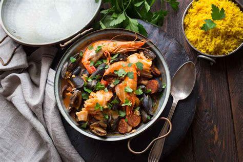 marmite et cuisine marmite de la mer poisson fruits de mer riz basmati au