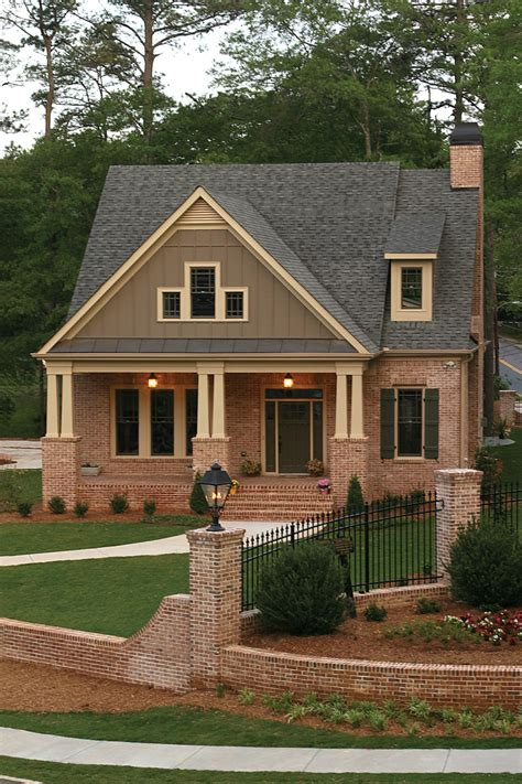 green trace craftsman home plan   house plans