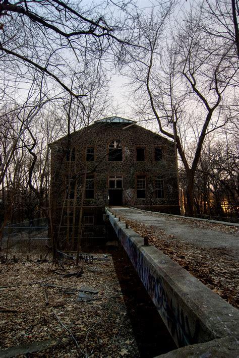 jungle    abandoned  york city farm colony