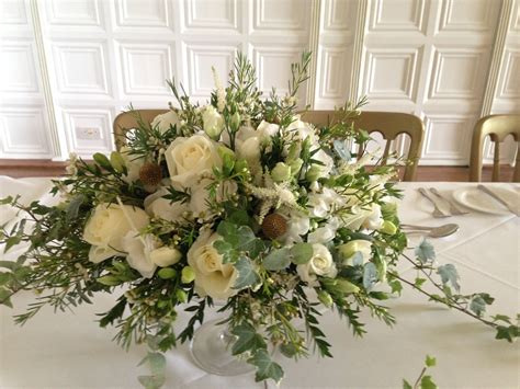 Tischgestecke In Glas by Glass Dish With White Gold Posy Table Centrepieces