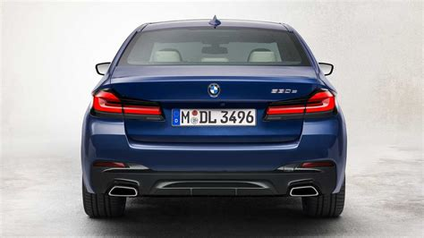 The 2021 bmw 5 series has kicked down the double doors and is now standing on the tables before us. 2021 BMW 5 Series Packs Refreshed Design, New Electrified ...