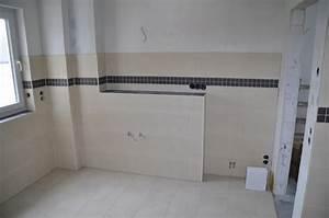 Welche Fliesen Für Kleines Bad : fliesengestaltung kleines bad ~ Frokenaadalensverden.com Haus und Dekorationen