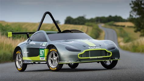 Aston Matin Car : This Is The New Gravity-powered Aston Martin Race Car