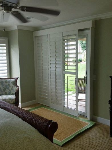 sliding doors glasses and house on