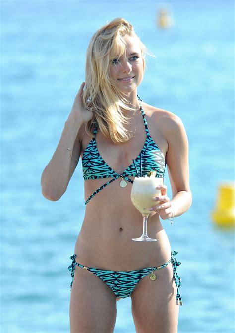 bo van spilbeeck sexy kimberly garner bikini in cannes 4 celebrity slips