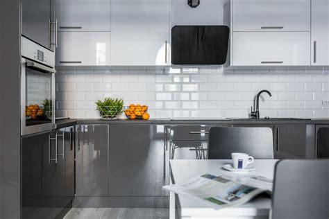 cocinas en blanco  gris
