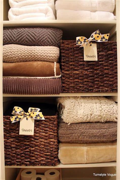 Linen Closet Baskets by Best 25 Linen Closets Ideas On Bathroom