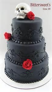skull wedding cakes 40 original wedding cakes weddingomania