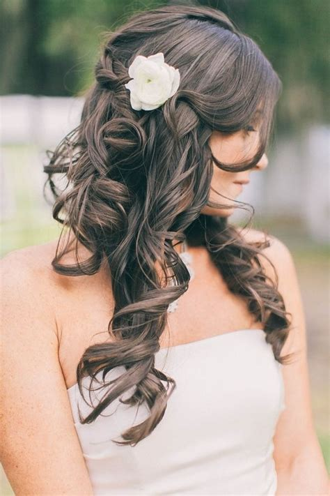 wedding styles chic wedding hairstyles here we will give you lots of chic wedding hairstyle tips