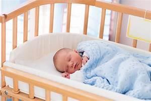 Baby Schläft Nicht Im Eigenen Bett : co sleeping mit dem beistellbett ~ Markanthonyermac.com Haus und Dekorationen