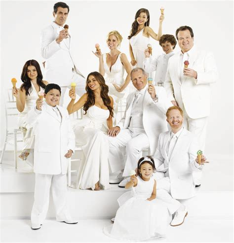 modern family cast reach salary deal modern family news us tv digital