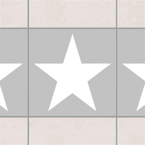 Fliesenaufkleber Grau by Fliesen Bord 252 Re Gro 223 E Wei 223 E Sterne Auf Grau 20x20 Cm
