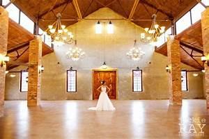 wedding venues montgomery texas mini bridal With big sky mini barns
