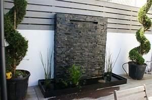 fontaine de jardin moderne obasinccom With eclairage exterieur maison contemporaine 13 amenagement exterieur zen contemporain piscine lyon