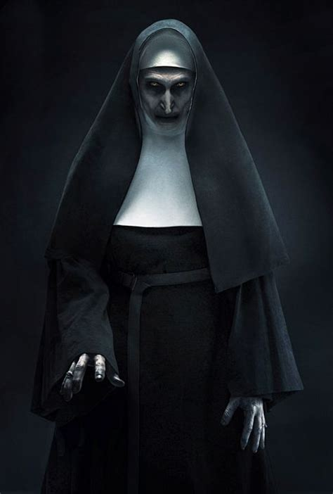 Die Horror-Nonne ist zurück: Erstes schauriges Bild zum ...