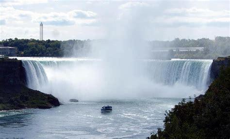 Boat Ride Niagara Falls Ny by Niagara Falls Of The Mist Boat Ride