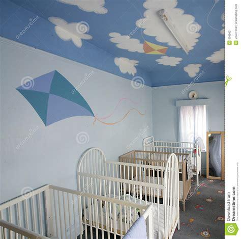culle per bambini prezzi culle per i bambini fotografia stock immagine di sonno