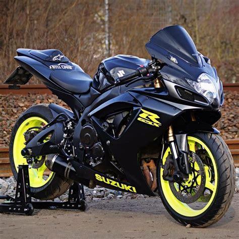 Custom Suzuki Gsxr 600 by Motorcycles And More Suzuki Gsxr Pomozmioddychac Stay