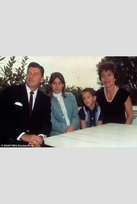 How Nancy Reagan's daughter Patti Davis fell for Beach Boy Dennis Wilson | Daily Mail Online