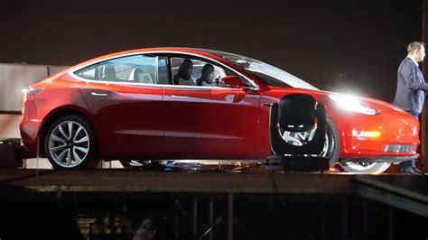 2018 Nissan Leaf, Tesla Model 3, Chevrolet Bolt