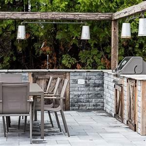 cuisine exterieure rustique cour inspirations With carrelage pour cour exterieure